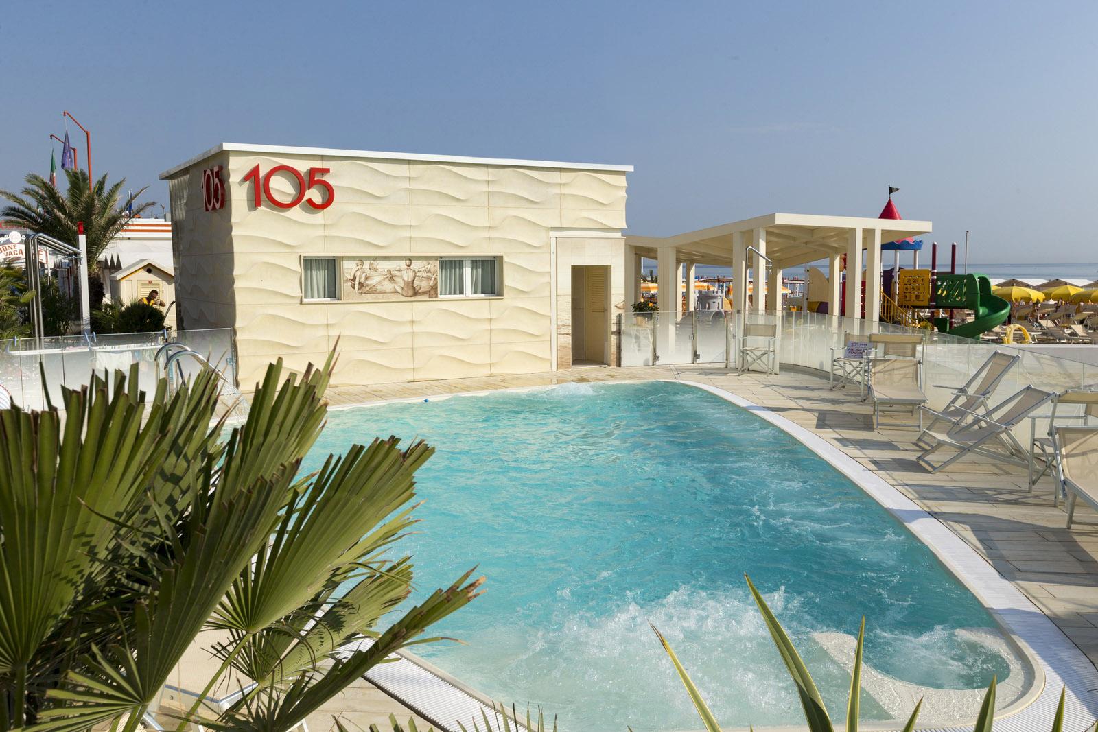 spiaggia 105 riccione location per eventi con piscina